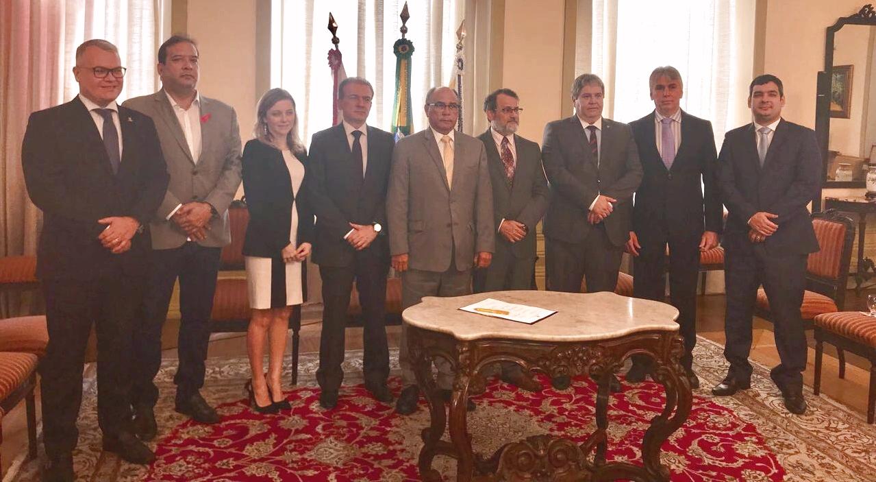 Cerimônia de assinatura do Termo de Cooperação Técnica n° 40/2017 que readequa o Comitê Interinstitucional de Resolução Administrativa de Demandas de Saúde do Pará (CIRARDS), realizado no prédio sede do Tribunal de Justiça do Estado do Pará -TJEPA