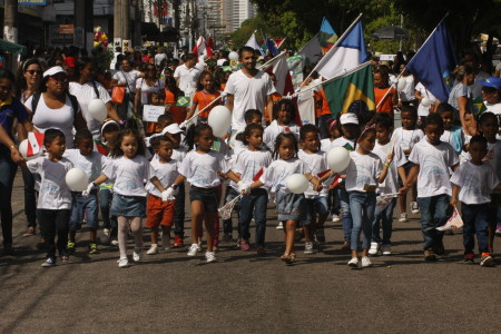 2017.09.05 – PA – Belém – Brasil: Dia da Raça – Secretaria Municipal de Saúde realiza desfile do Dia da Raça para Escolas Municipais.  Foto: Oswaldo Forte.