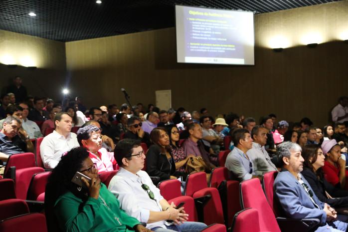 Audiência pública define metas para licitação de novo sistema de transporte em Belém