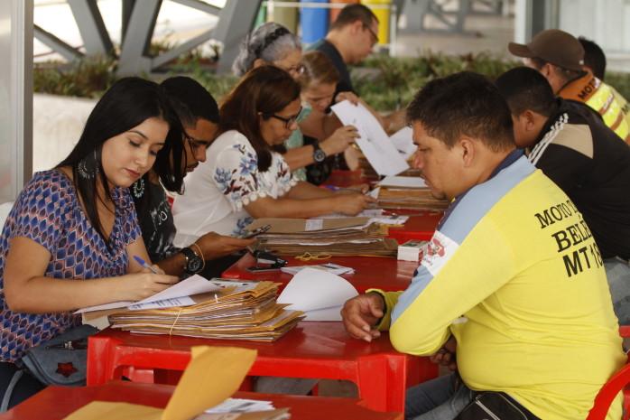 Prefeitura promove a abertura do segundo envelope da licitação do serviço de mototáxi