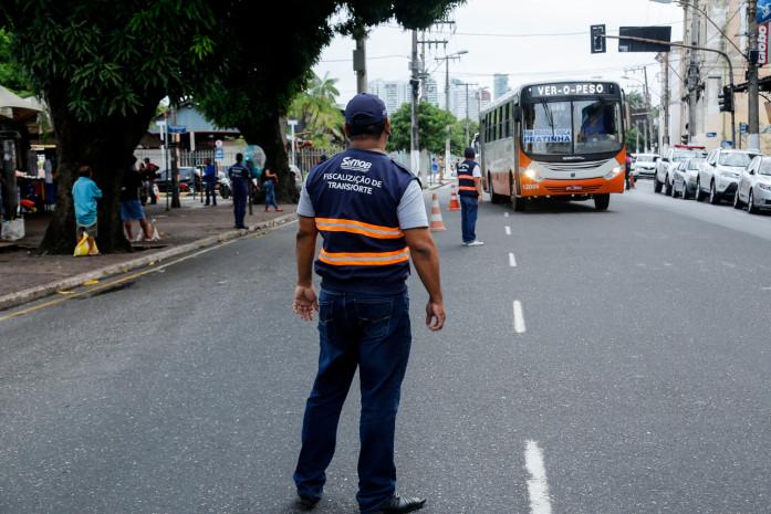Prefeitura realiza ação de ordenamento nas paradas de ônibus