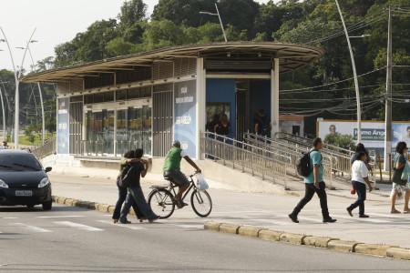2019.11.01 - PA - Belém - Brasil: Estações e Terminais do BRT na avenida Augusto Montenegro. Estação Marinha.