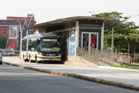 2019.11.01 - PA - Belém - Brasil: Estações e Terminais do BRT na avenida Augusto Montenegro. Estação Marambaia.