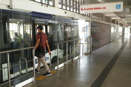 2019.11.01 - PA - Belém - Brasil: Estações e Terminais do BRT na avenida Augusto Montenegro. Terminal Tapanã.